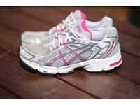 Ladies Asics trainers / running shoes size 7 excellent condition