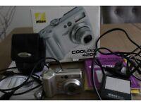 NIKON COOLPIX 4200 Camera