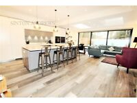 2 bedroom flat in Lammas Park Road, Ealing, W5
