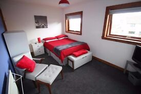 DOUBLE ROOM AVAILABLE FOR SHORT OR LONG TERM LET. CONTRACTORS WELCOME