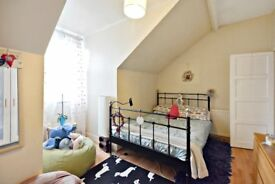 Beautiful Flat Located in the heart of Ealing Boardway