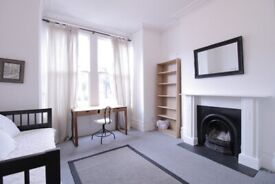 Large modern one bedroom flat to rent in Tufnell Park, N19