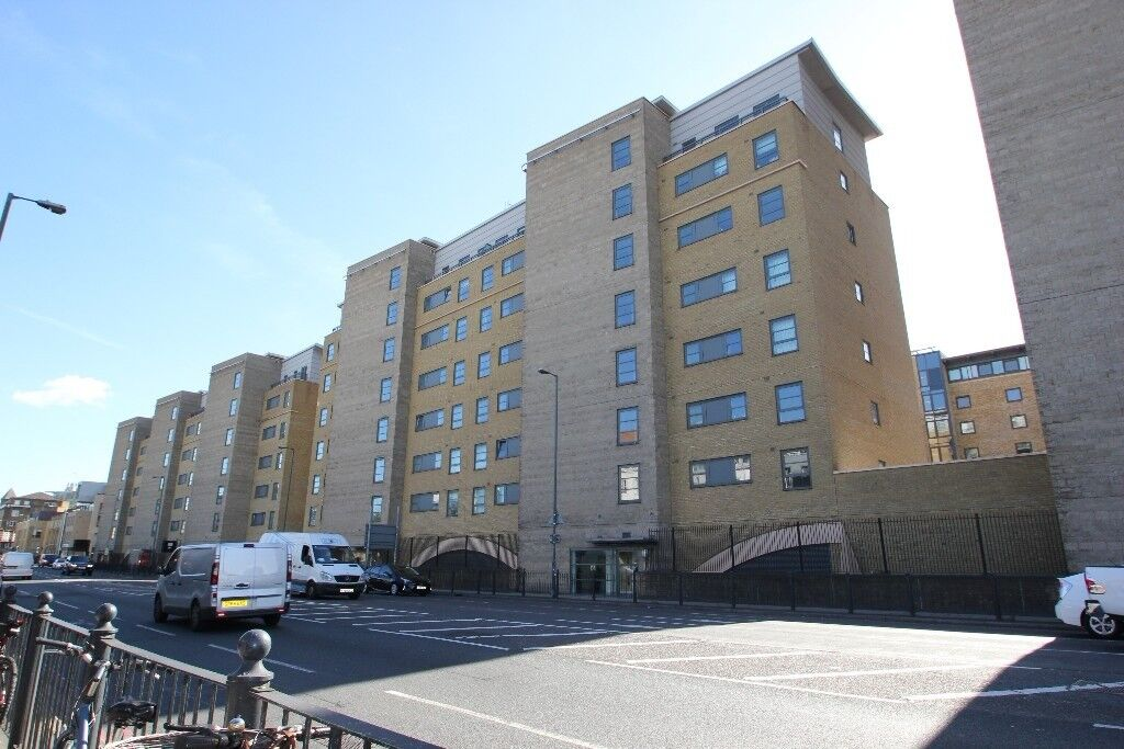 SHORT LETs , LONG LETs, Professional 1 Bedroom property near Canary Wharf