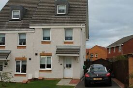 Stunning 3 Bedroom Townhouse (unfurnished) situated in a new Taylor Wimpey Estate in Airdrie.