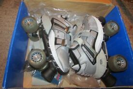 SKETCHERS 4 WHEELERS ROLLER SKATES SILVER AND BLACK SIZE 5
