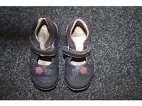 Clarks First Shoes girls purple shoes 6 G CAN POST