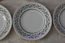 10 Royal Doultan D6373 Almond Willow 27cm dinner plates