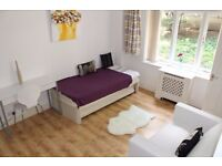 *LOVELY STUDIO FLAT - ST JOHNS WOOD* CLOSE TO THE TUBE STATION* - AVAILABLE NOW