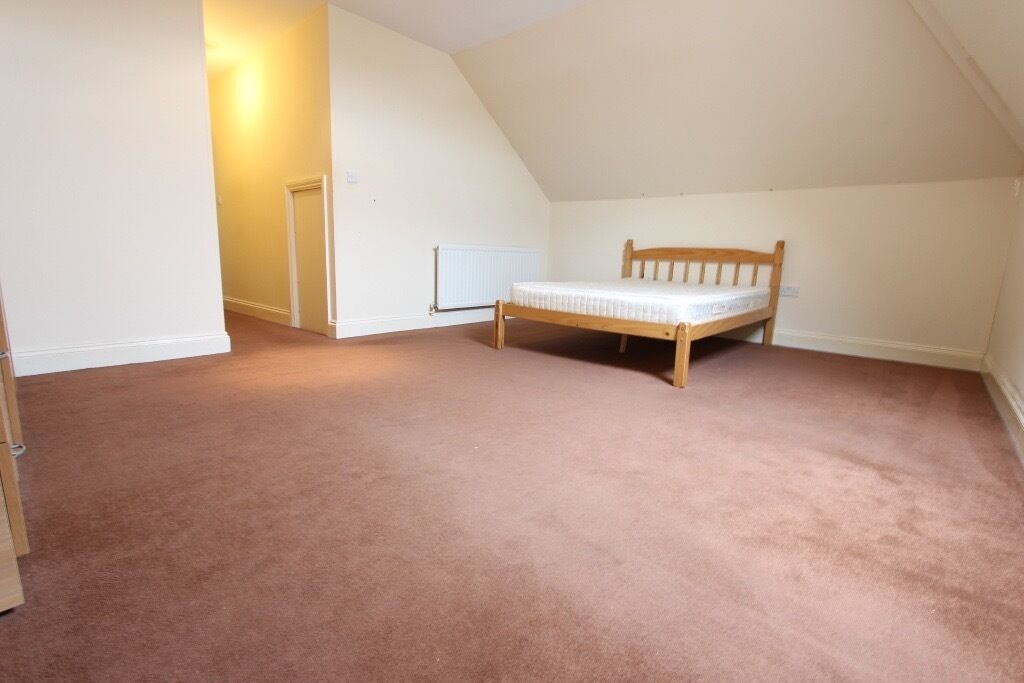 TO RENT AVAILABLE. Apartment 2 BED FLAT. Ideal 4 Couple, Family / Sharers. CHEAP, ECONOMICAL. BARNET