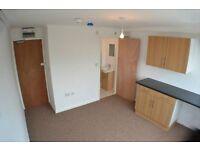 Bedsit/Studio Flat - DSS 35+ Welcome- No Deposit - Fartown/Deighton- MOVE IN TODAY!!