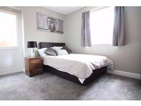 MODERN en-suite room with kitchenette at Belle Vue!