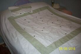 2 Double Quilt Covers with matching pillowcases