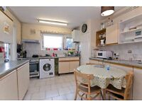 FANTASTIC 3/4 BED PROPERTY IN CASTLE ROAD, CAMDEN WITH OUTDOOR SPACE AVAILABLE SEPTEMBER