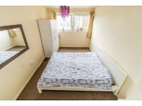 Large Double room for rent - Near Queen Mary 1