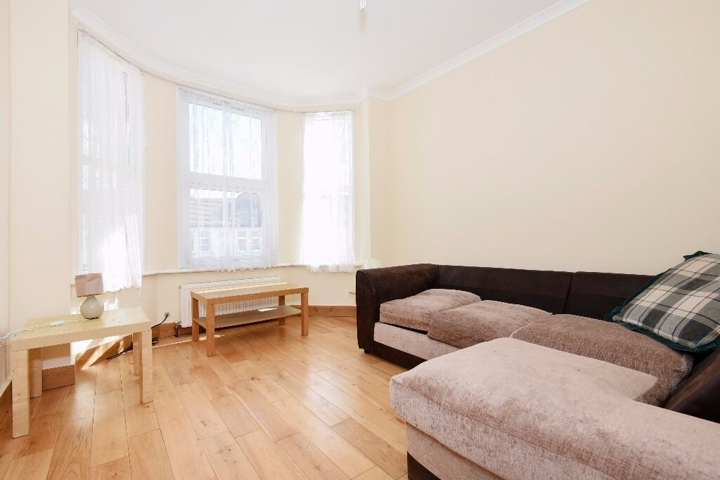 A two or three bedroom split level flat to rent in Southfields