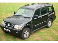 2004 Mitsubishi Shogun 3.2 DI-D Elegance in Black, automatic with 7 seats, leather