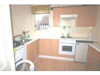 Large one double bedroom flat, poss use living room as 2nd bedroom, kitchen, 4 mins Raymes Park