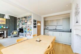 Spacious first floor 4 bedroom flat in West Hampstead close to local amenities & public transport