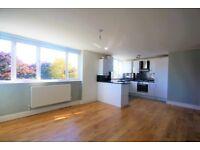 2 bedroom flat in Galsworthy Road, Kingston Upon Thames, KT2