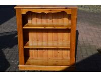 Pine bookcase in good condition