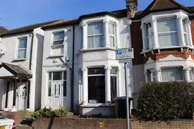 2/3 Bed Flat for rent with garden. 2 Min walk from Dollis Hill, Jubilee line station. NO FEES