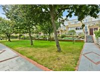 4 bedroom, 3 bathroom flat in OVAL/STOCKWELL. minutes from Clapham and Brixton
