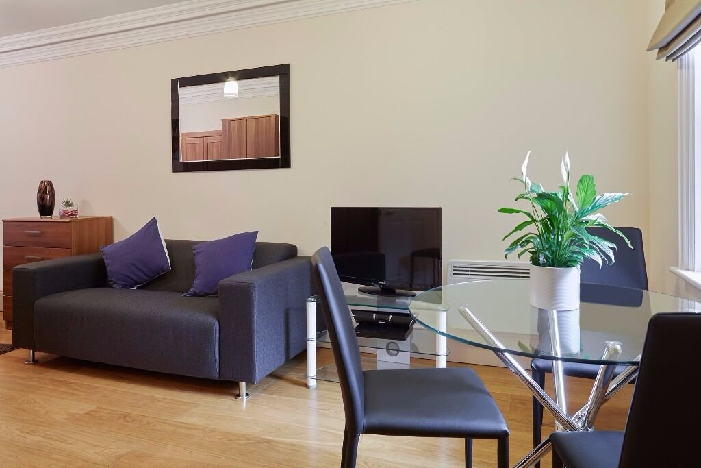 **Leicester Square serviced studio with maid service, bills, wifi incl - Central London - Book now!