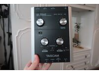 Tascam US122 MkII USB 2.0 Audio/MIDI Interface