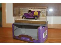 GREAT REDUCE WAS £10 TO £3.50 LIMITED EDITION C/W CERTIFICATE QUEEN MOTHER 100TH BIRTHDAY MODEL VAN