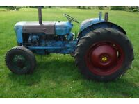 FORDSON DEXTA FULLY WORKING CHEAP VINTAGE TRACTOR USE OR IMPROVE CAN DELIVER SEE VIDEO NO VAT