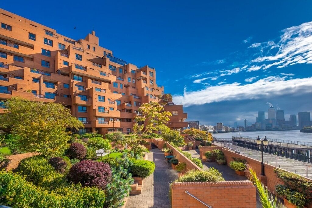 Gorgeous two bedroom apartment with private terrace and stunning views of the River Thames.