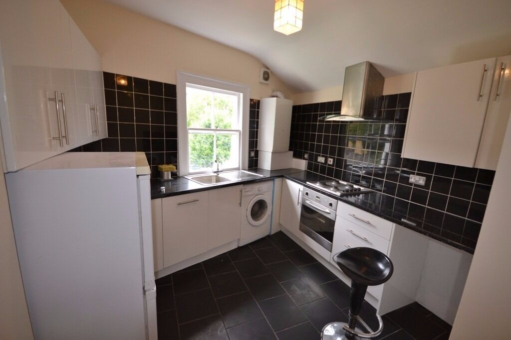 2 bedroom flat to rent london gumtree. a newly refurbished 2 bedroom flat to rent in nw6 - no fees tenants bedroom flat to rent london gumtree e