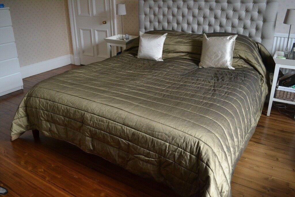 Quilted bedspread/throw, king/super king size, 100% silk, khaki/olive colour