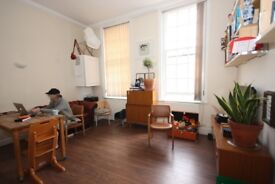 Bright two bedroom flat to rent in Stepney Green (Unfurnished)