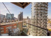 @ New Providence Wharf - Stunning Two Bed Two Bath - Canary Wharf Location - Gym/Pool!