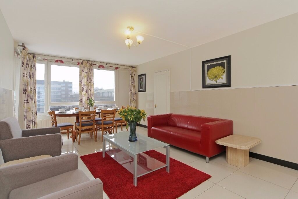 !!!BEAUTIFUL 2 BEDROOM FLAT MOMENTS AWAY FROM HYDE PARK, BOOK NOW TO VIEW!!!