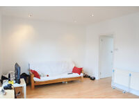 A lovely 1 bedroom flat located 4min walk from Turnpike Lane tube