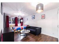 King Size balcony bedroom. Marylebone/Regents park