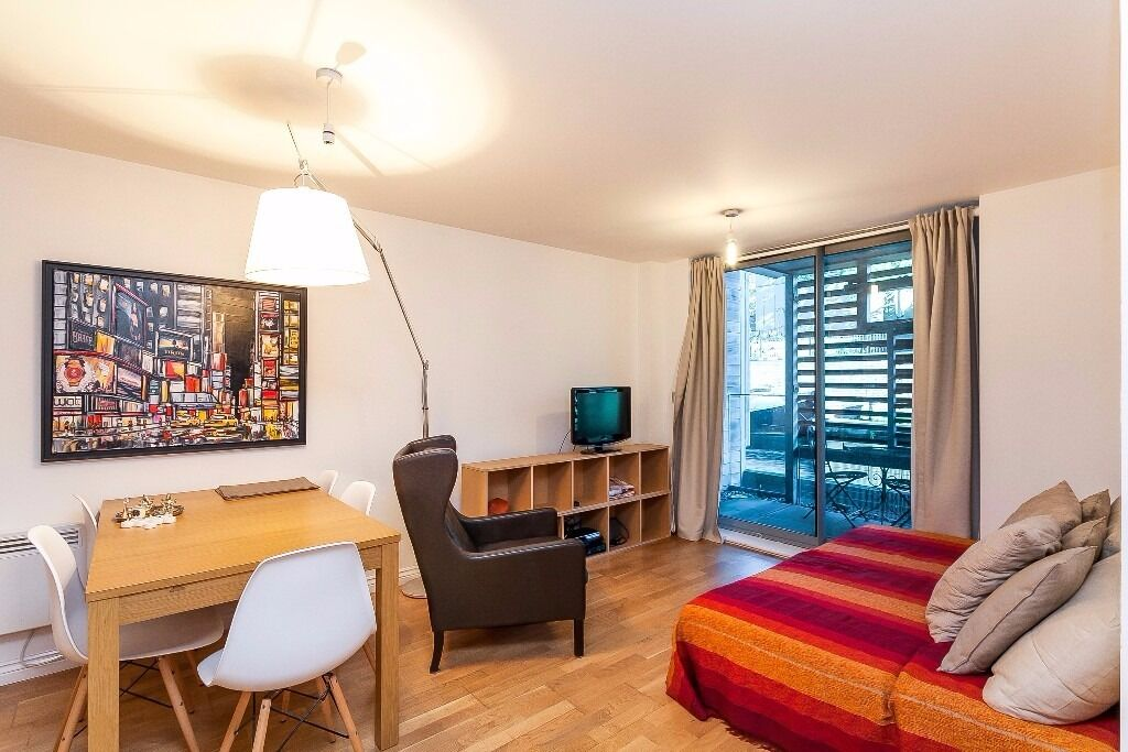 MODERN 2 DOUBLE BEDROOM, 2 BATHROOM APARTMENT IN NW1! CANAL VIEWS! PRIVATE GYM FOR RESIDENTS ONLY!
