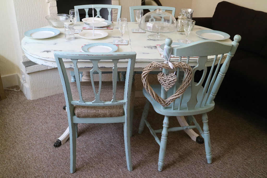 Style Extendable Table And Four Chairs Strongbow 4 8