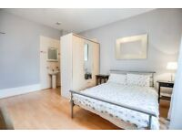 LARGE STUDIO WITH AN AMAZING SEPARATE KITCHEN IN IT ~~ALL BILLS INCLUDE + PORTER SERVICE ~~