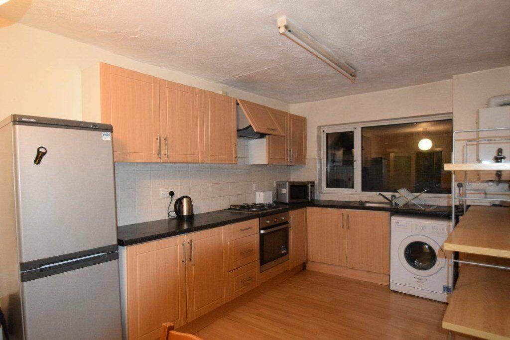 4 BED PROPERTY TO RENT IN NW2