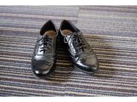Women's Brogue Oxford shoes Black Size 3