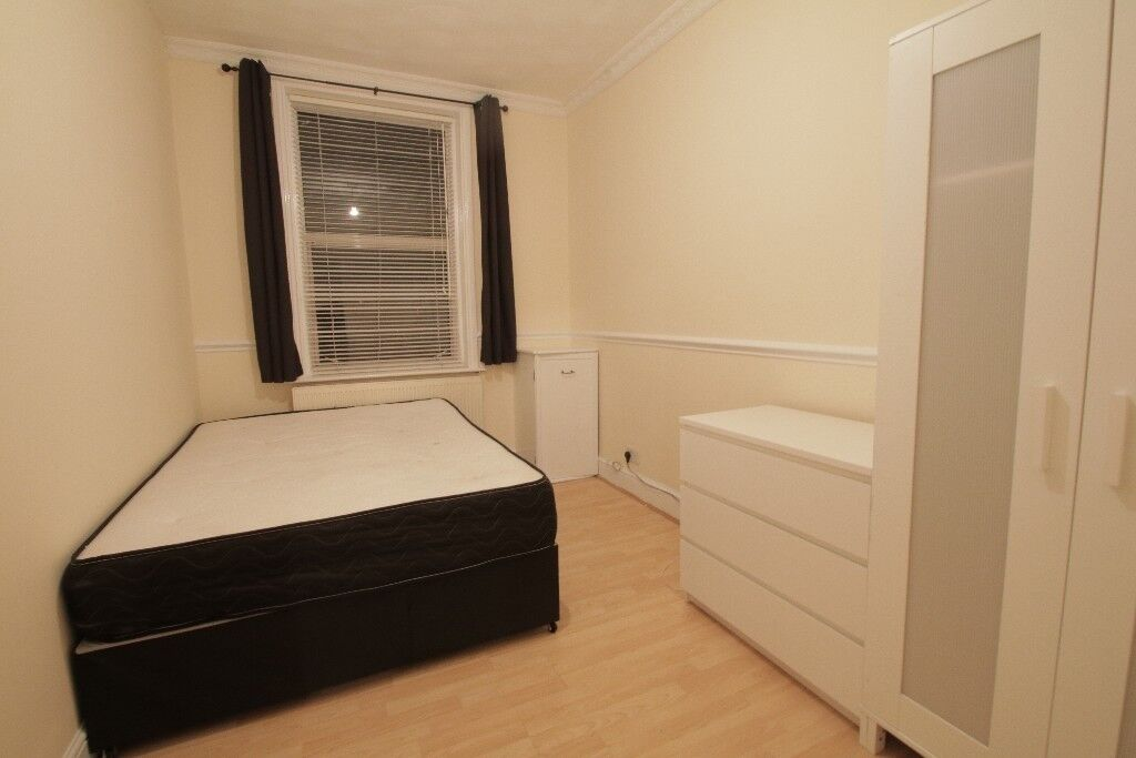 Cozy size room in East India Dock Road E14