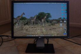 Dell Ultra Sharp 2209 WA ( Digital ) 22 inch HD Monitor , 1680 x1050