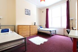 Huge TWIN ROOM in Westbourne park ** 15 walk from PADDINGTON **