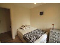 Lovely double room for single use in Kilburn, beautiful flat lovely flatmates! POSTCODE: NW24JA //4T