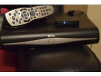 SKY PLUS HD BOX 3D READY WITH MINI WIRELESS CONNECTOR/REMOTE/ CABELS