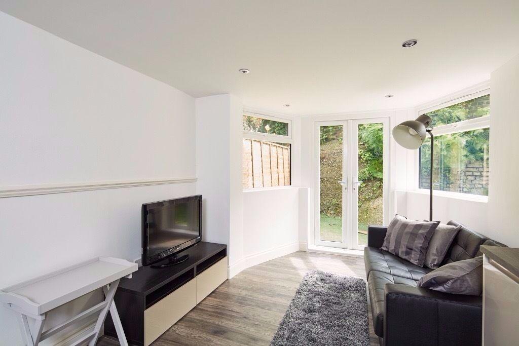 Newly refurbished stunning 2 Bedroom garden Flat