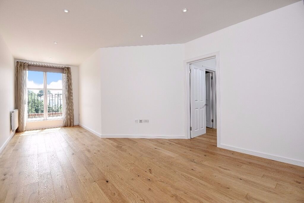 A stunning, modem two bedroom flat to rent in New Malden. George Rose House.